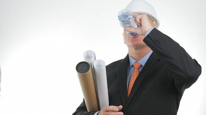 Nezapomeňte, že při vysokých teplotách mají zaměstnanci nárok na ochranné nápoje