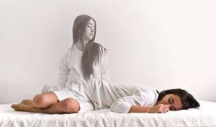 Experimenty se spánkem: spát míň, žít víc?