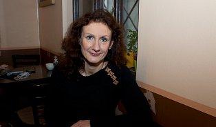 Týrané ženy se bojí, že jim nikdo nebude věřit, říká Iveta Wollerová