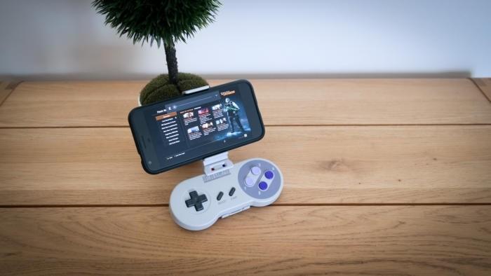 Streaming hry Division do vašeho mobilního telefonu asi nebude tím nejlepším způsobem, jak si hru patřičně vychutnat, ale jde to!