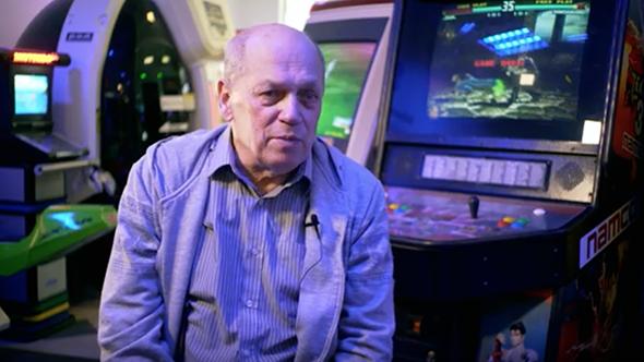 [aktualita] Video: Tomáš Smutný o tom, jak se kopírovaly západní PC a stavěly herní automaty