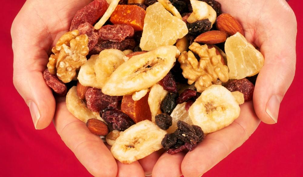 2. Místo ořechové směsi tyčinka s ořechy