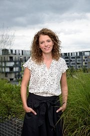 Marketingová a PR manažerka společnosti Bankovní identita Leila Goulliová.