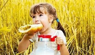 Celozrnné pečivo není pro malé děti. Odkdy ho mohoujíst?