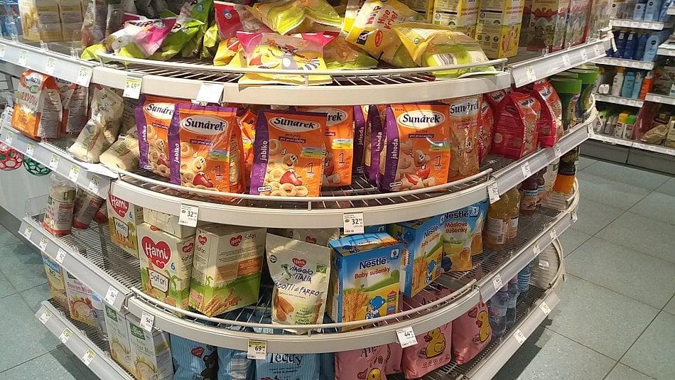 Výrobci sladí ijídla pro nejmenší děti. Je to zbytečné a škodlivé