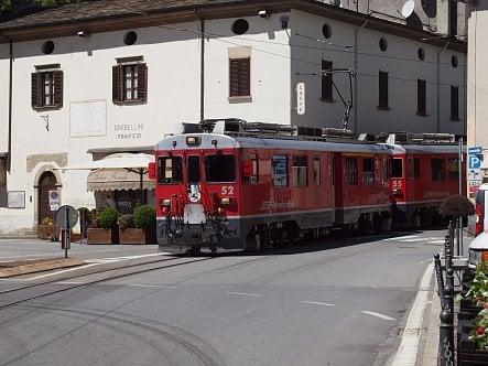 Vlak, železnice, Bernina Express