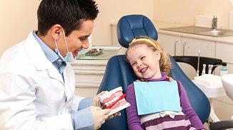 Dětský zubař? Hledejte rodinného