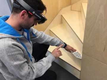 Thyssenkrupp a využití HoloLens v praxi