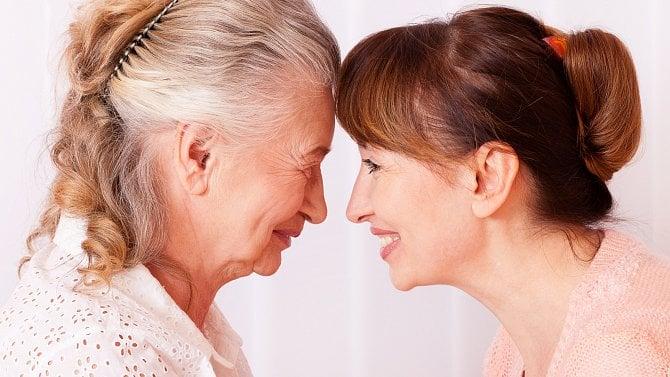 Jak může zaměstnavatel pomoci svým lidem, kteří doma pečují oseniory a nemocné?