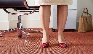 Proč nám otékají nohy? Může za to teplo