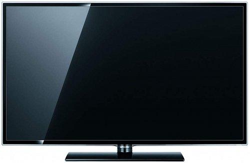 """Na danou cenu vypadá televizor výborně a """"může za to"""" nejen úzký rámeček, ale zejména obruba z kvalitního plastu dole rozšířená tak, aby se na ni vešlo jméno """"Samsung"""". Ovládání je z boku."""
