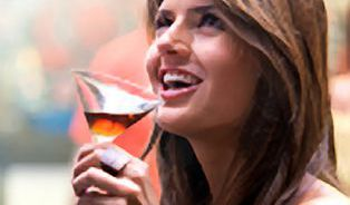 Drunkorexie – nová diagnóza? Nejedí, aby mohli večer pít