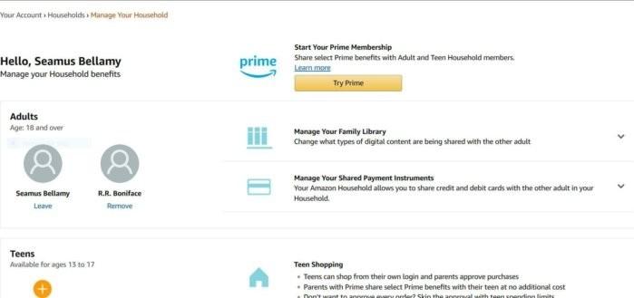 Amazon umožňuje sdílení elektronických knih dvěma dospělým v rámci rodiny. Knihy, které si zakoupil jeden, si tak může číst i ten druhý a naopak