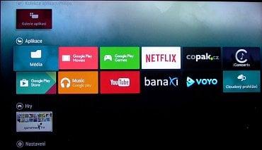 Operační systém Android TV (6) byl popsán už dostatečně. Vrchní část nabídky na tlačítku Home vypadá v případě tohoto televizoru takto. Českých aplikací je docela dost, potíže ale byly při jejich zprovozňování.