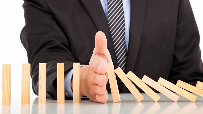 Zrušte minimální mzdu nebo aspoň mzdu zaručenou, začínají se ozývat podnikatelé