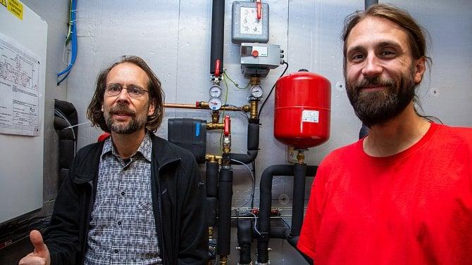 Teplo ze serverů může ohřívat vodu, ukazuje poskytovatel Spoje.net