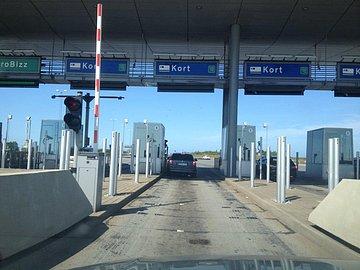 Příjezd k mýtné bráně na Öresundském mostě