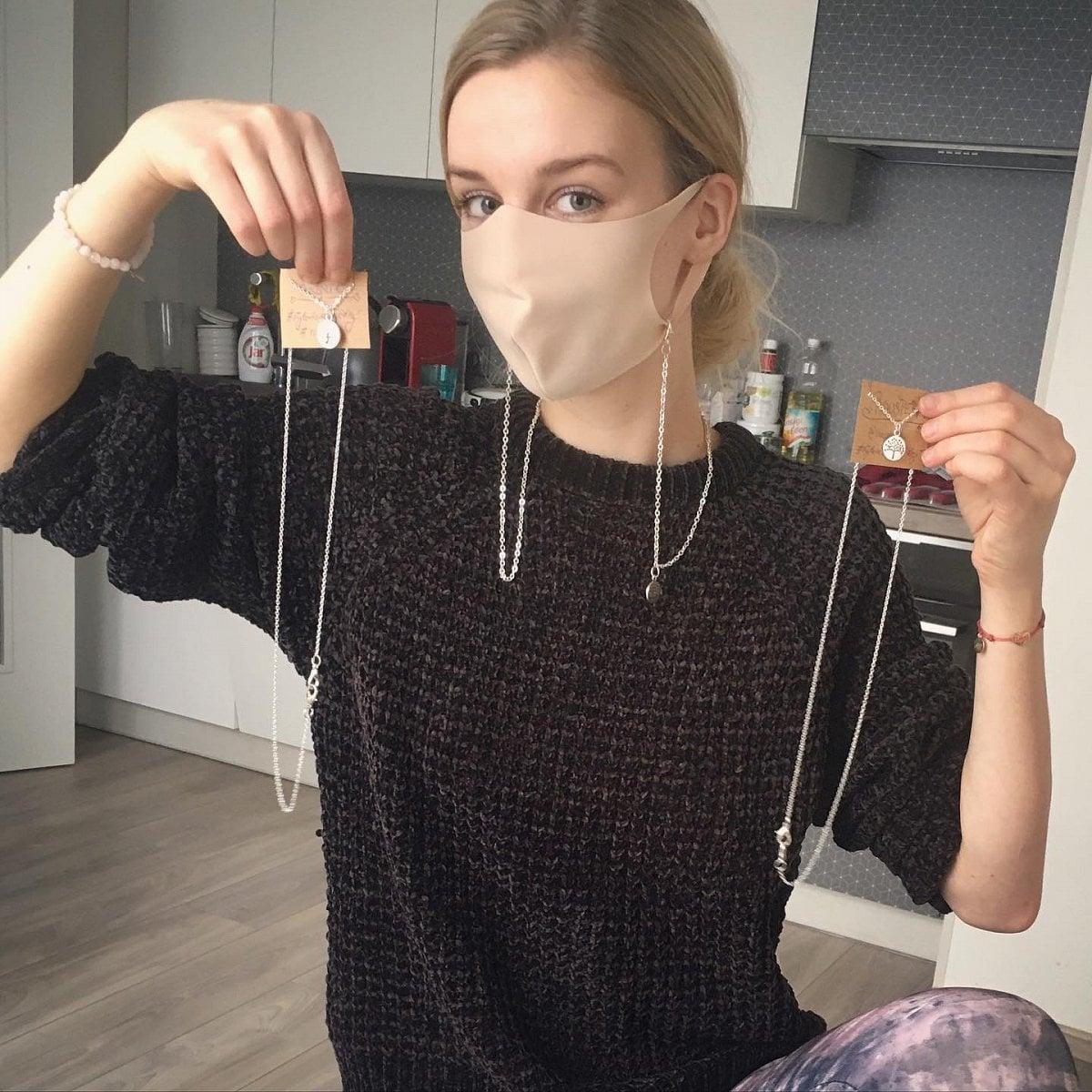 Roušperk – řetízek na roušku