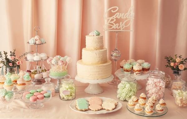 Candy bar je obvykle sladěn do jedné barvy pastelových tónů