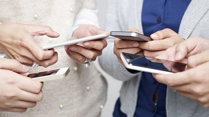 [aktualita] Chytrých telefonů se v prvním čtvrtletí prodalo o 20 % méně než loni