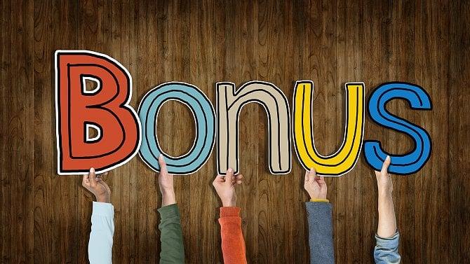 Akční nabídky bank a nebank včervnu: bonus 2500Kč a úvěr za 1,90% p.a.