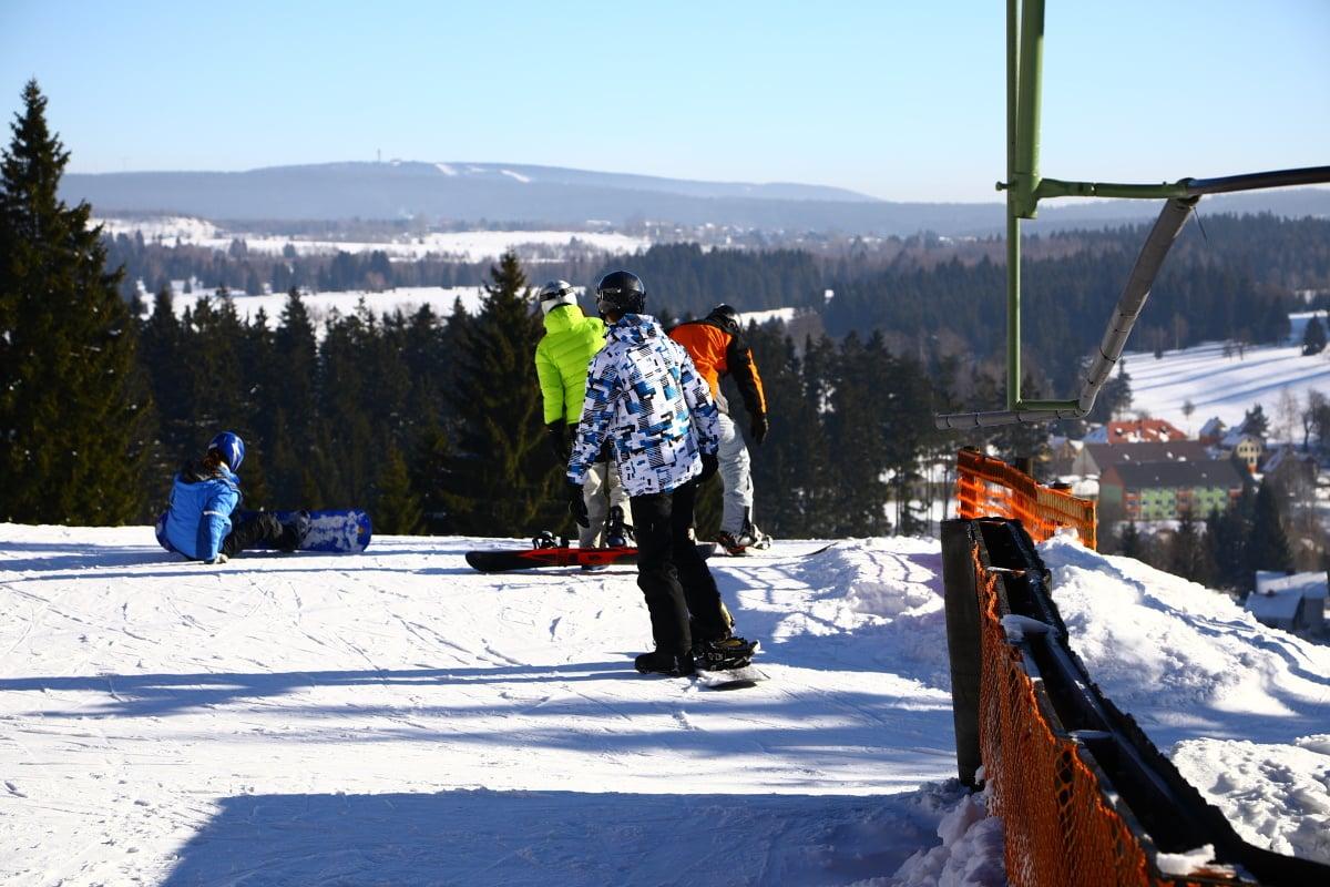 Krušnohorský skiareál Pernink Pod nádražím je vhodný pro rodiny.