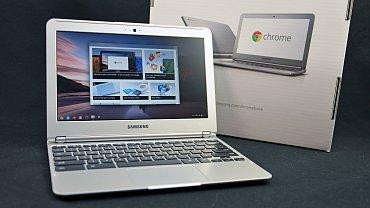 Chromebook je takový pěkný terminál do internetu. Uvnitř najdete vlastně jen webový prohlížeč a pár funkcí navíc, ale pro rychlé surfování webem nebo napsání mailu to bohatě stačí.