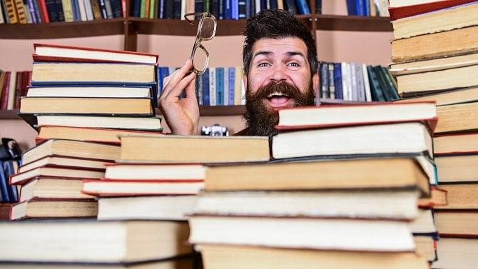 Brousíte si zuby na to, že budete nakladatel knih? Na lehké podnikání se netěšte