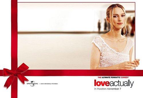 Láska nebeská je romantickou komedií, která neodmyslitelně patří ke každým vánočním svátkům.