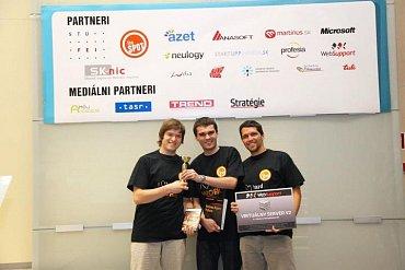 Tvůrci Instant Feedback se těší z vítězství na Startup Weekendu v Bratislavě.