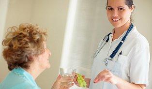 Lékař nesmí prodávat léky, auž vůbec ne vordinaci