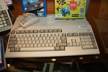 Amiga 500 - legendární model, který Amigu proslavil.