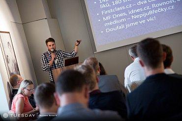 Adam Vodička nám na konferenci vyprávěl, jak jim lidé za 2,5 hodiny poslali 1,2 milionu korun