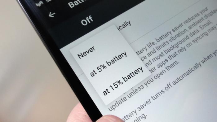 Funkci spořiče baterie u operačního systému Android je možné nastavit tak, aby se automaticky zapnula pokaždé, když je baterie téměř vybitá