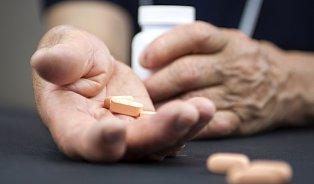 Levné léky pro seniory? Ministr se zaměří na doplatky