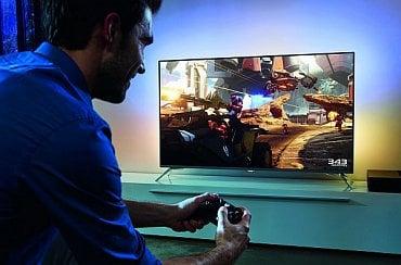 Philips LS 7100, tzv. Gaming XBox a speciální režim osvícení pozadí Ambilight. Ten je hodně zajímavý tím, že pocitově dokáže jakoby rozšířit dění i mimo obrazovku.