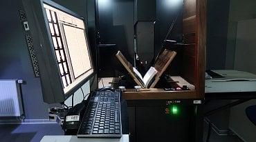 Skener Treventus ScanRobot 2.0 MDS je určen na šetrné skenování s robotickým obracením stran a lineárním snímáním.