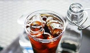 Vitalia.cz: Restaurace dávají do nápojů led s bakteriemi
