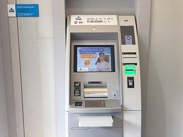 Bezkontaktní bankomat ČSOB.