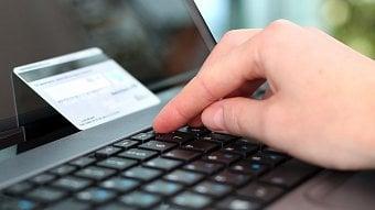 Podnikatel.cz: Tisíce e-shopů zruší kvůli EET platbykartou