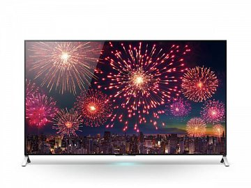 """LCD televizor Sony X90C (X91C vypadá stejně) pracuje s Android TV a je v nejužším místě hluboký jen 5 mm. Elektronika a další propriety jsou pak umístěny v klasické """"hrbu""""."""