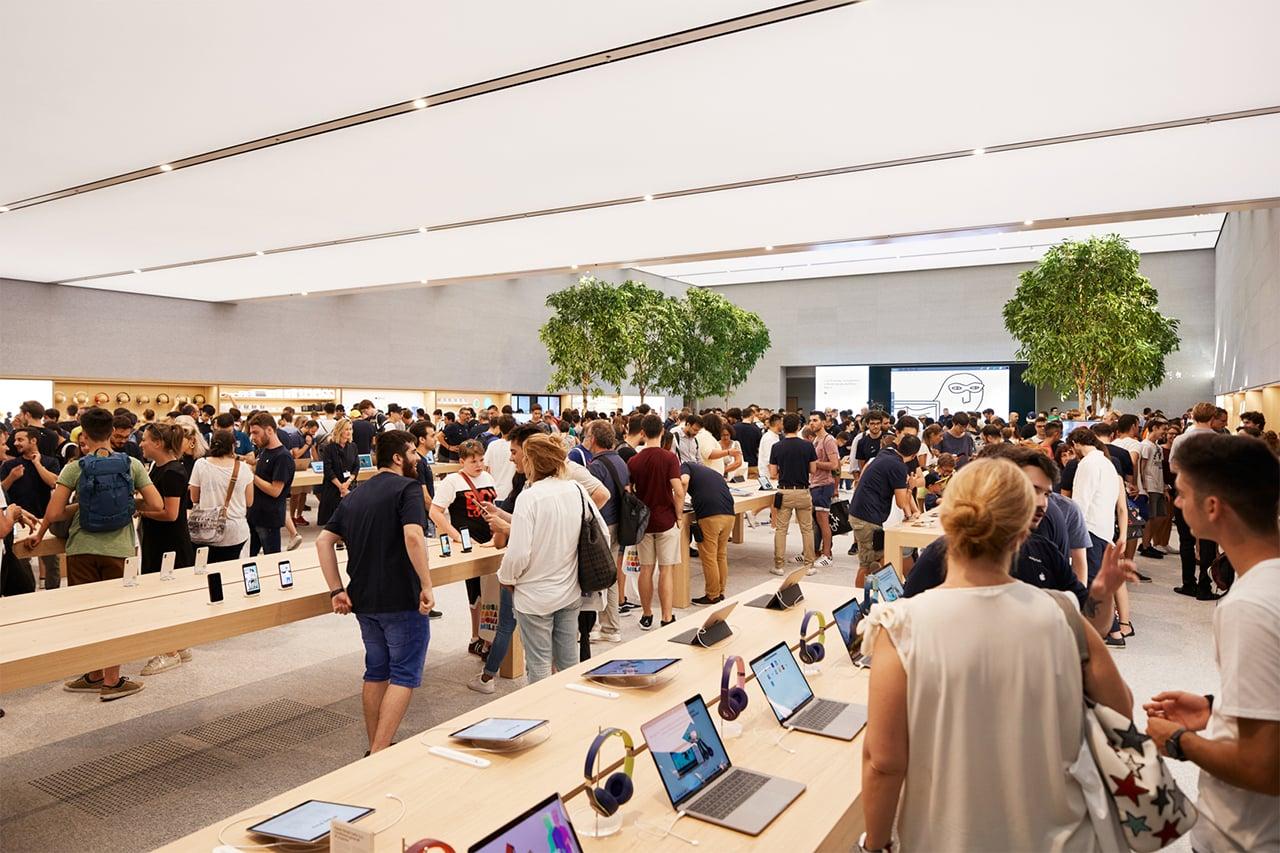 Apple Store Piazza Liberty v Miláně