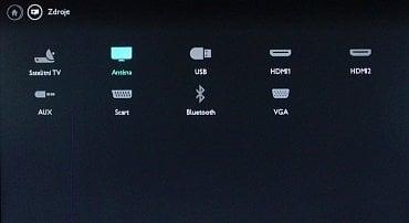 Mezi rozhraními jednak najde vstup do multimédií (USB), jednak na Bluetooth audio.