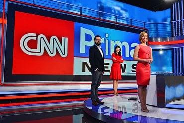 CNN Prima News řídí redakční rada ve složení: ředitelka News Production Eliška Čeřovská (vpravo), ředitelka News Gathering Petra Benešová (uprostřed) a ředitel digitálních platforem Tomáš Večeřa. Tato redakční rada se zodpovídá přímo generálnímu řediteli skupiny Prima Marku Singerovi.