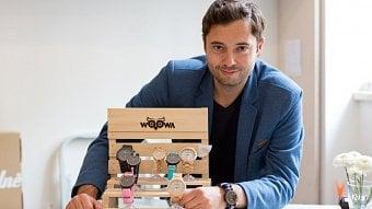 Podnikatel.cz: Jeho dřevěné hodinky chtějí na všech kontinentech