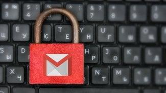 Červený zámek Gmail