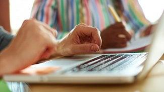 IT včeských firmách: vlastní laptop ve firemní síti. Výhoda, nebo problém?