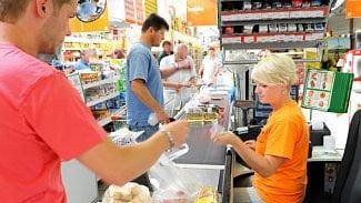 Měšec.cz: Pokladní jako bankomat. Cashback se mění