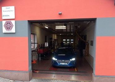 Elektromobil Iva Pavery po STK.
