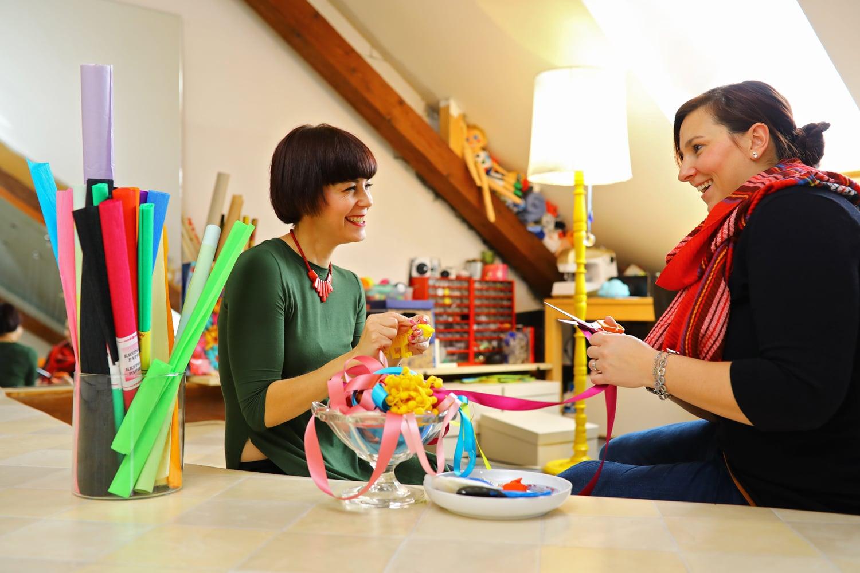 Vyrábějí dětské kolotoče i hračky. Nahlédněte do jejich dílny